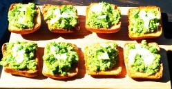 https://thepaddingtonfoodie.com/2012/09/27/quintessentially-spring-broad-bean-pea-mint-bruschetta-with-pecorino/