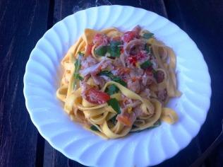 https://thepaddingtonfoodie.com/2012/10/18/crab-chilli-garlic-and-tomato-tagliatelle-with-rocket-and-lemon/