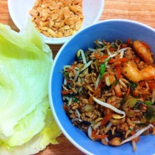 https://thepaddingtonfoodie.com/2012/11/09/pork-prawn-and-shiitake-mushroom-san-choi-bau-with-roasted-peanuts/