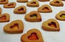 https://thepaddingtonfoodie.com/2012/11/27/festive-baking-lemon-gingerbread-stained-glass-heart-cookies/