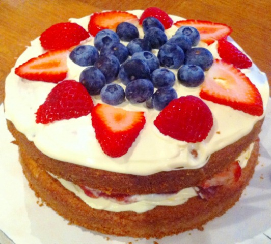 Victoria Sponge Cake With Cream Cheese Frosting