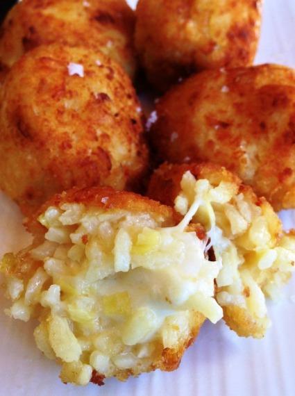 https://thepaddingtonfoodie.com/2013/02/20/crisp-and-crunchy-little-golden-risotto-balls-arancini-with-leek-lemon-and-saffron/