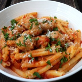 https://thepaddingtonfoodie.com/2013/03/12/pasta-pronto-penne-with-little-italian-sausage-meatballs-and-a-home-made-tomato-sauce/