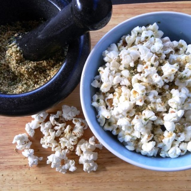 Popcorn With Nori Gomashio Seasoning