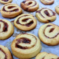 https://thepaddingtonfoodie.com/2013/06/17/more-sunday-night-baking-butter-swirls-with-plum-jam-and-almond-meal/