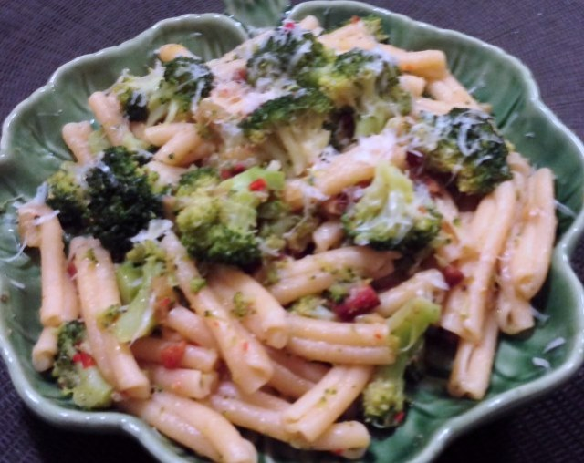 Broccoli Pasta With Pancetta, Garlic and Chilli