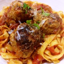https://thepaddingtonfoodie.com/2013/07/15/sunday-night-dinner-family-food-italian-meatballs-with-ricotta-and-parmesan-cheese-and-a-rich-tomato-sauce/
