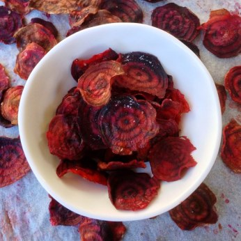 https://thepaddingtonfoodie.com/2013/07/23/the-5-2-challenge-my-fast-day-snack-with-crunch-oven-baked-beetroot-crisps/