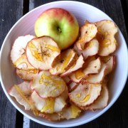 https://thepaddingtonfoodie.com/2013/08/28/toffee-apples-for-grown-ups-sweet-crisp-and-crunchy-oven-baked-apple-chips-with-a-toffee-drizzle/