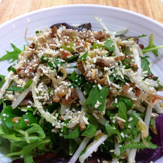 Pork Larb Salad With Toasted Ground Rice