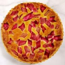 https://thepaddingtonfoodie.com/2013/10/10/crisp-and-light-luscious-and-fruity-rhubarb-frangipane-tart/