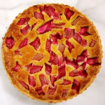 https://thepaddingtonfoodie.com/2013/10/10/crisp-and-light-luscious-and-fruity-rhubarb-frangipane-tart/