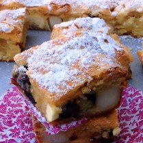 https://thepaddingtonfoodie.com/2013/11/21/rich-dense-and-fudgy-blonde-brownies-with-sour-cherries-macadamia-and-white-chocolate-chunks/
