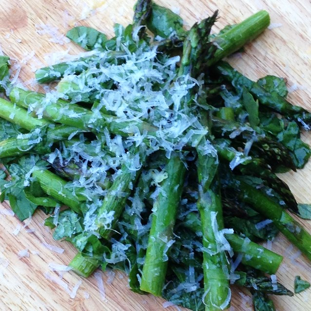 Grilled Asparagus Salad With Rocket, Mint and Parmesan