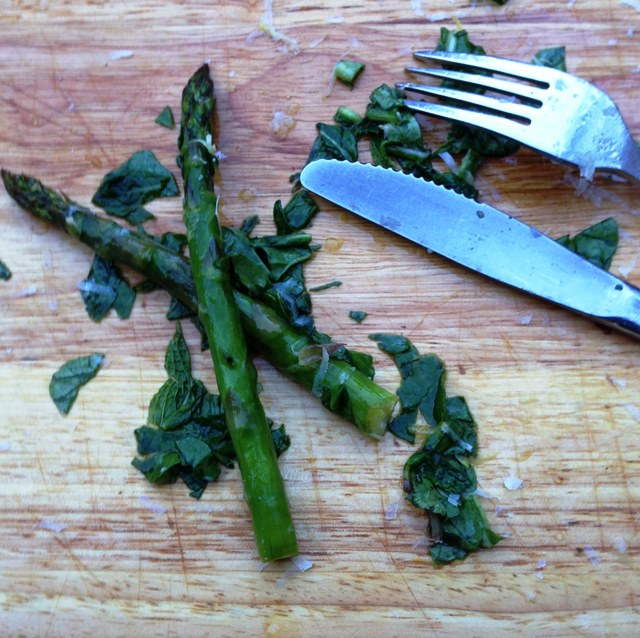 Grilled Asparagus Salad With Rocket