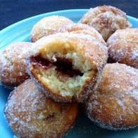 https://thepaddingtonfoodie.com/2014/03/10/a-lazy-sunday-brunch-jam-doughnut-muffins/