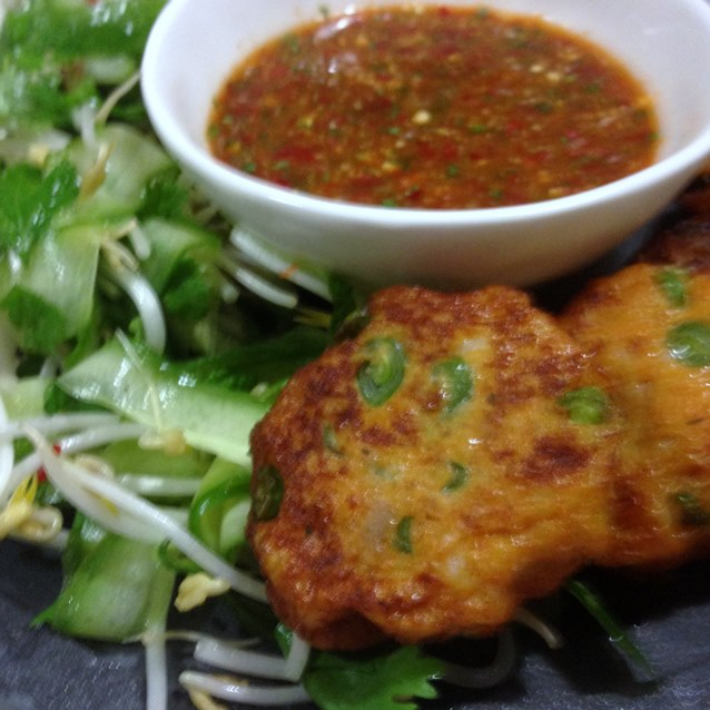 Spicy Thai Fishcakes With Nam Jim Dipping Sauce