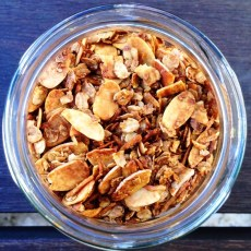 https://thepaddingtonfoodie.com/2014/04/25/lest-we-forget-april-25th-a-day-of-commemoration-anzac-day-granola/