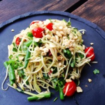 https://thepaddingtonfoodie.com/2014/04/16/eat-fast-and-live-longer-a-5-2-fast-day-recipe-idea-under-200-calories-som-tam-thai-green-papaya-salad/
