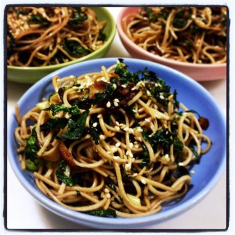 https://thepaddingtonfoodie.com/2014/04/09/eat-fast-and-live-longer-a-5-2-fast-day-meal-idea-under-300-calories-sesame-and-shitake-mushroom-soba-noodles-with-crispy-kale/