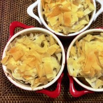 https://thepaddingtonfoodie.com/2014/05/14/eat-fast-and-live-longer-a-5-2-fast-diet-meal-idea-under-300-calories-shredded-filo-pastry-topped-chicken-and-leek-pot-pies-with-roasted-pear-and-parsnip/
