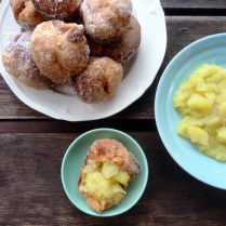 https://thepaddingtonfoodie.com/2014/07/21/sunday-brunch-cinnamon-sugared-pop-overs-with-apple-compote/