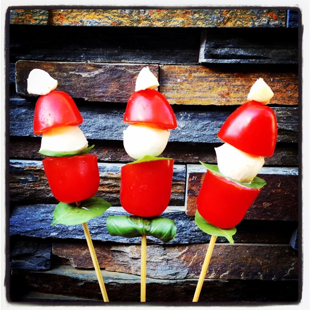 Mini Caprese Cocktail Santas