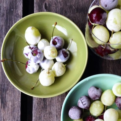 https://thepaddingtonfoodie.com/2014/12/08/eat-fast-and-live-longer-a-5-2-fast-diet-recipe-idea-under-100-calories-frozen-grapes-and-cherries/