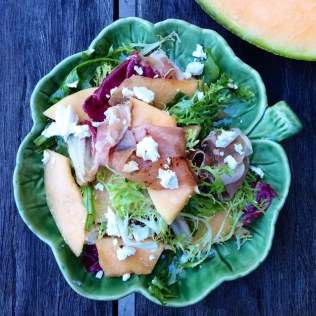 https://thepaddingtonfoodie.com/2014/12/15/eat-fast-and-live-longer-a-5-2-fast-diet-recipe-idea-under-300-calories-rockmelon-prosciutto-and-feta-salad-with-mixed-salad-leaves/