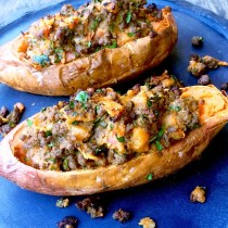 https://thepaddingtonfoodie.com/2015/03/23/eat-fast-and-live-longer-a-5-2-fast-diet-recipe-idea-under-400-calories-twice-baked-sweet-potatoes-loaded-with-spiced-lamb/