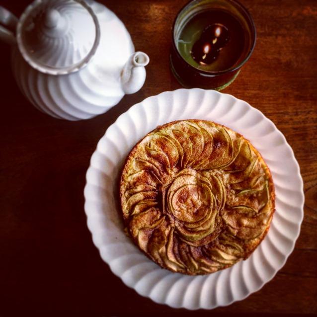 Old Fashioned Apple Cinnamon Tea Cake