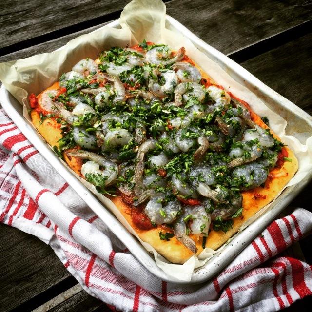 Deep Dish Pizza With Garlic Prawns